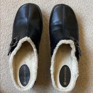 Naturalizer Black Heeled Shoes w/ Fur Lining